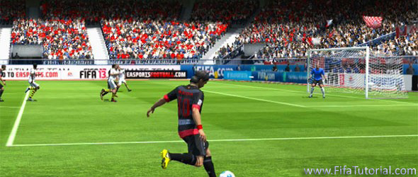 FIFA 13 how to Cross the ball